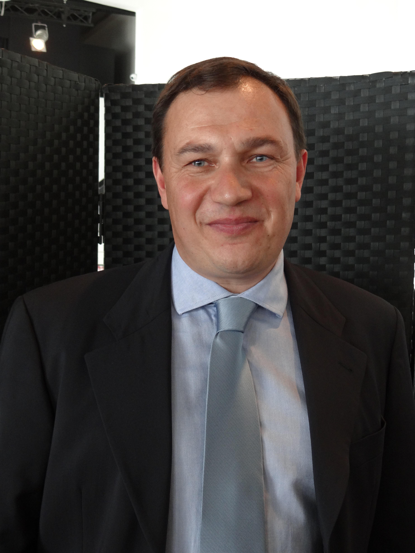 L. PERROUELLE
